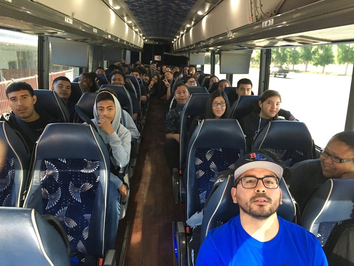 Off to Magic Mountain  !!! @SequoiaMiddle #8thgradetrip #teamBCSD<br>http://pic.twitter.com/yEXHWdUH7U – à Sequoia Middle School