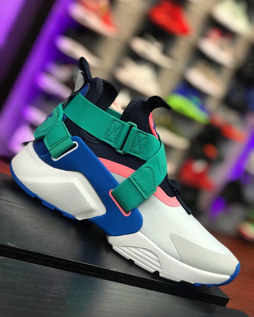 152108fd7e5cb Nike Air Huarache City (Grade School Sizes)  Nike  Huarache  HuaracheCity   MisterSportspic.twitter.com Y4h7csup3h