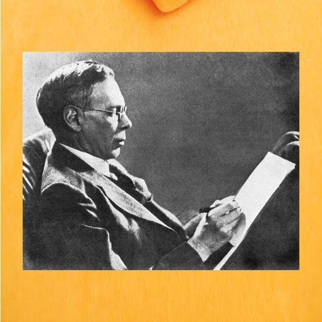 13 août 1909 à Naissance de #CharlesWilliams à San Angelo (Texas).#Auteur américain de roman policier. Edité en France chez #Gallimard dans la #SérieNoire : #HillGirl, #L'AngeDuFoyer, #JeTAttendsAuTournant, #LePigeon, #FantasiaChezLesPloucs, #UnQuidamExplosif, #LAssassinVousParle