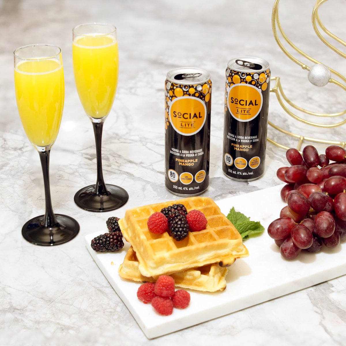 Treat your mom right with SoCIAL LITE mimosas 💕 https://t.co/aQ1RBTGVb0