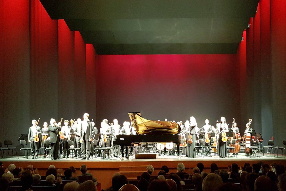 Magnifico concerto de @OrchestraRai @TeatroVerdiPN con un grande @janlisiecki diretti da @MichelTabachnik