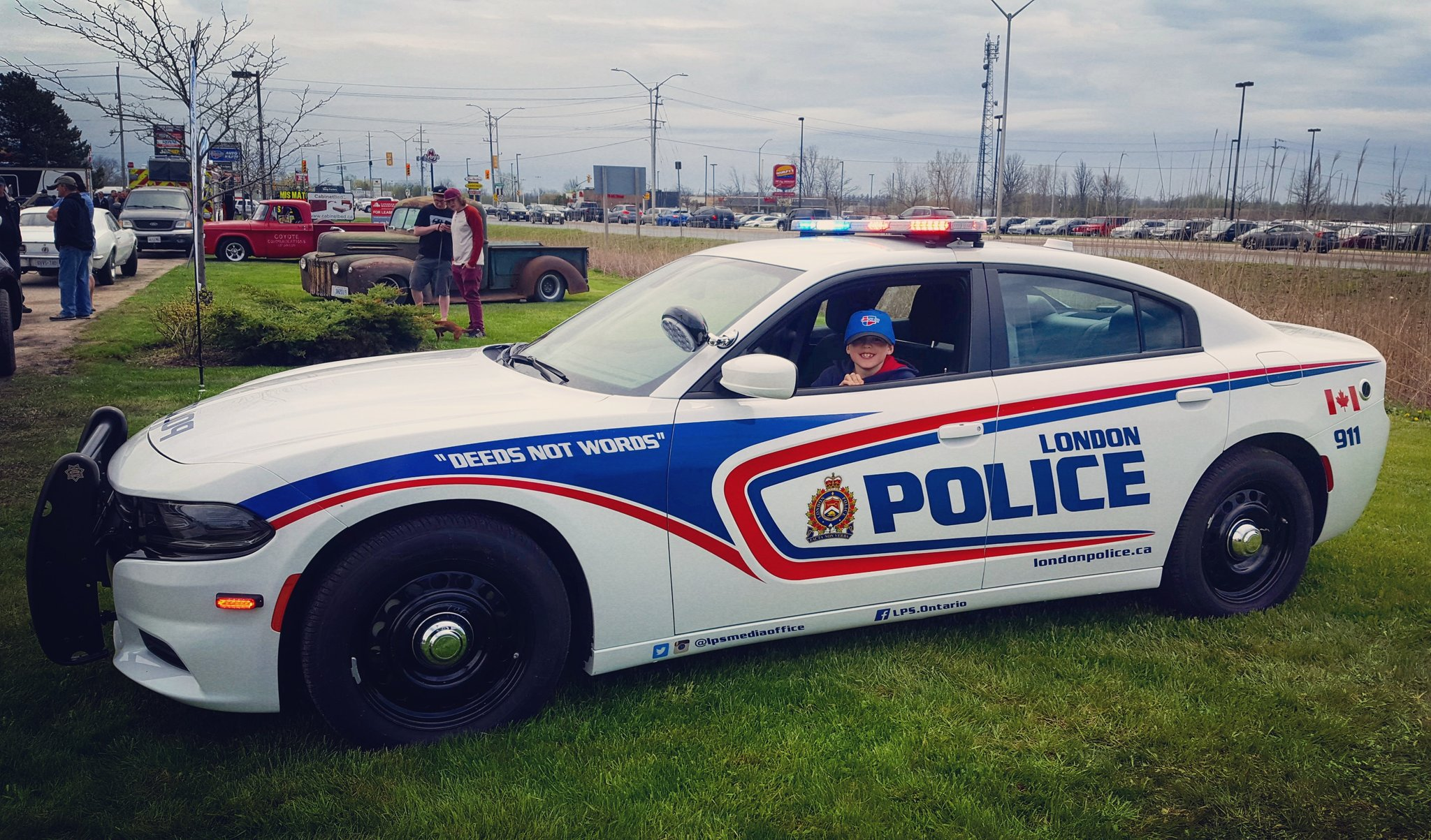 Pc Rebecca Elliott On Twitter Showing Off The Dodge Charger