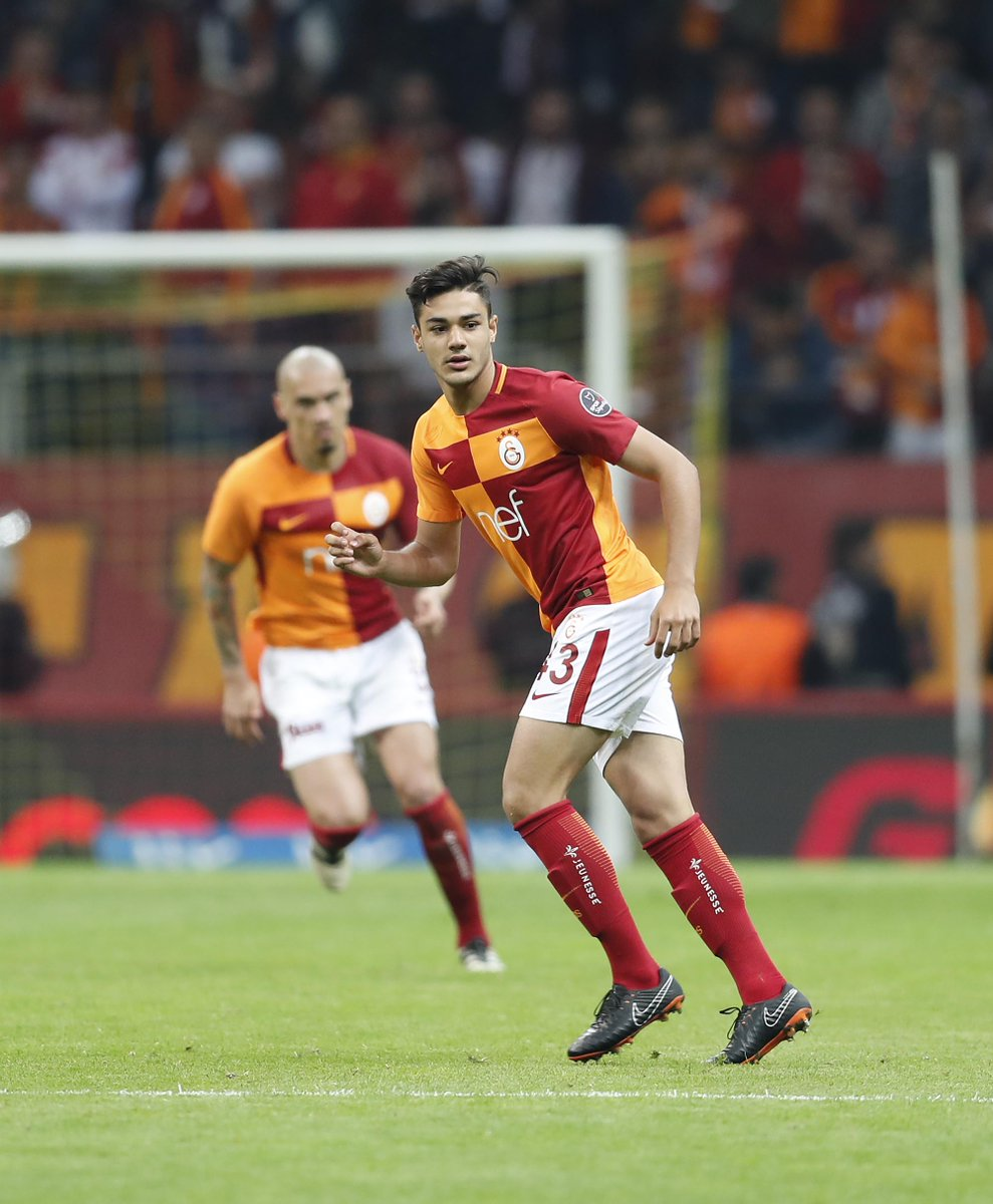 Ozan Kabak is the first #Galatasaray player who was born in the year of 2000. 😱 Time flies!