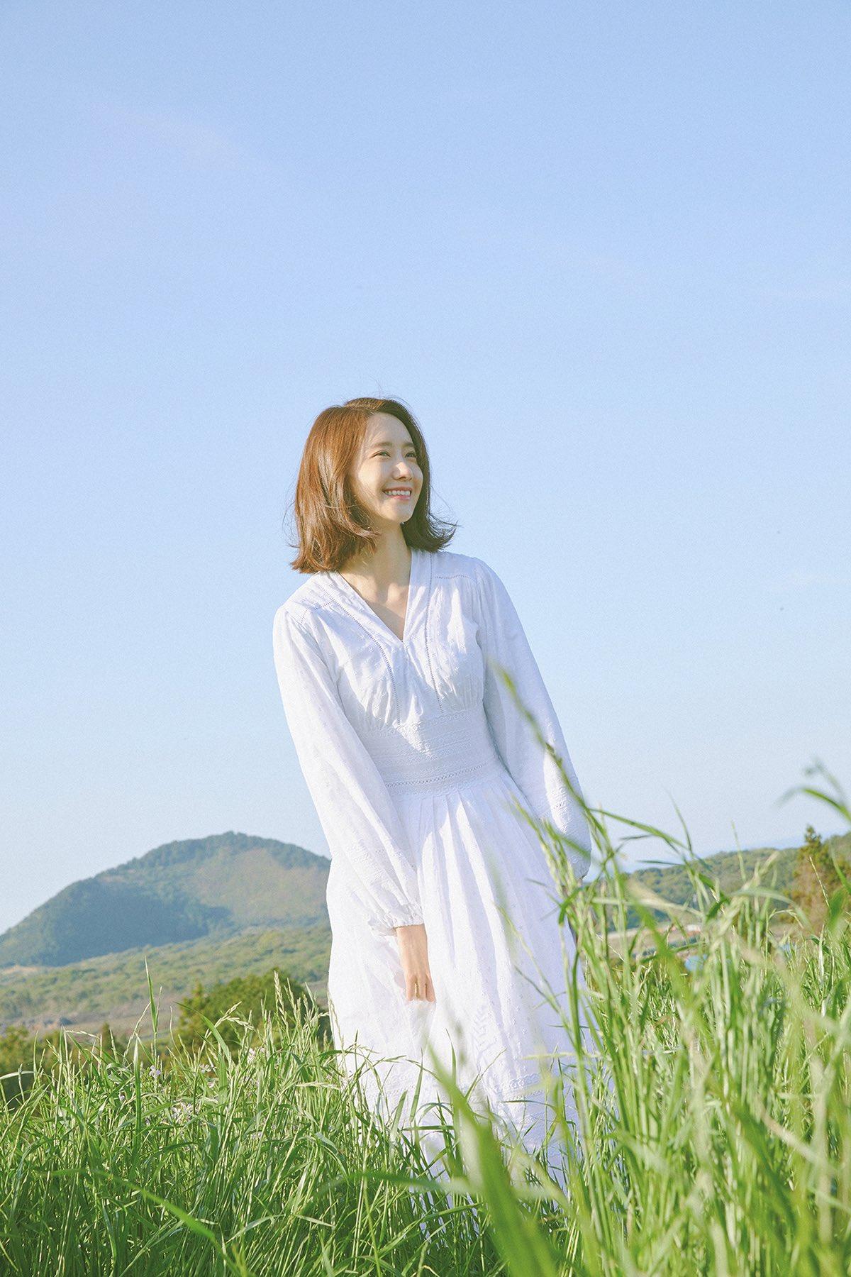 """ภาพโปรโมตซิงเกิ้ล """"To You"""" ของยุนอา"""