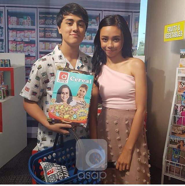 Mayward on their Opening spiels..promoting ang supporting abs cbn merchandise. #MAYWARDxASAPMomsDay