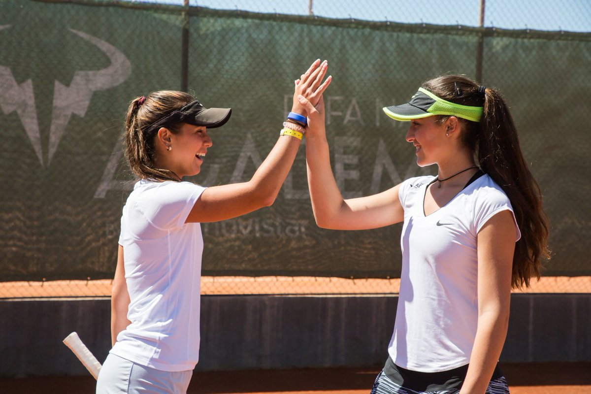 Our students play tennis at the #RafaNadalAcademybyMovistar, but most importantly, they learn about values and how to be a good sports player #RNAValues  <br>http://pic.twitter.com/rRGTZWdQji