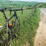 So so happy to be back out in the sun and on the saddle ☀️😎🚴🏼♂️⠀⠀⠀⠀⠀⠀⠀⠀⠀ ⠀⠀⠀⠀⠀⠀⠀⠀⠀ ⠀⠀⠀⠀⠀ ⠀⠀⠀⠀⠀⠀⠀⠀⠀ ⠀⠀⠀⠀⠀⠀⠀ #torqfuelled #cycling #peakdistrict #triathlon #sports #nutrition #fitness #swimbikerun