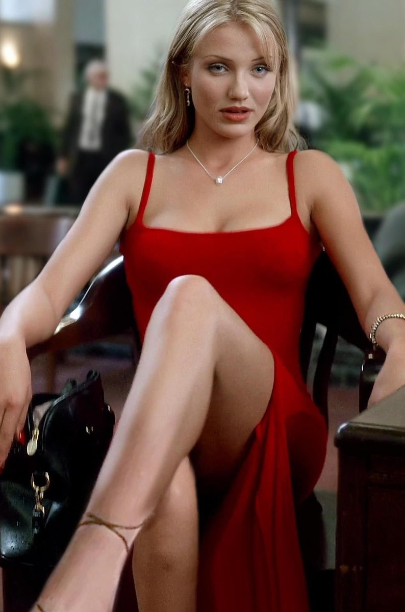 Cameron diaz flashes some boob and suffers nip slip on the set