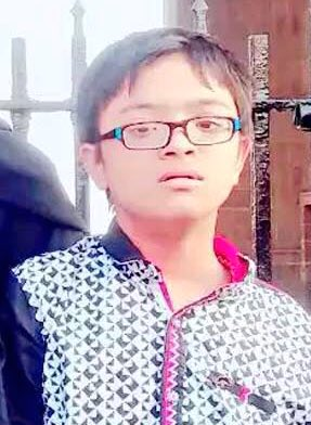 Please RT.  Missing since 12th May '18 Name: Arshad. Age. 13 yrs.  Last seen at Mahim, Mumbai wearing a white T-Shirt & jeans.  Arshad has Downs Syndrome & is incapable of communicating his address or parents phone numbers.   If found please contact Taju on +91 77180 42756