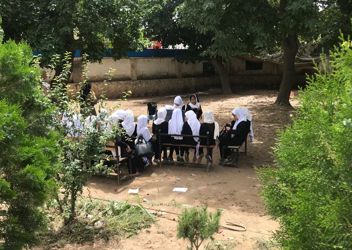 In the midst of #drought across much of #Afghanistan, flash floods just north of #Kabul forced these girls to sit outside while their classroom is mopped up. What determination to learn! #Education #ForEveryChild