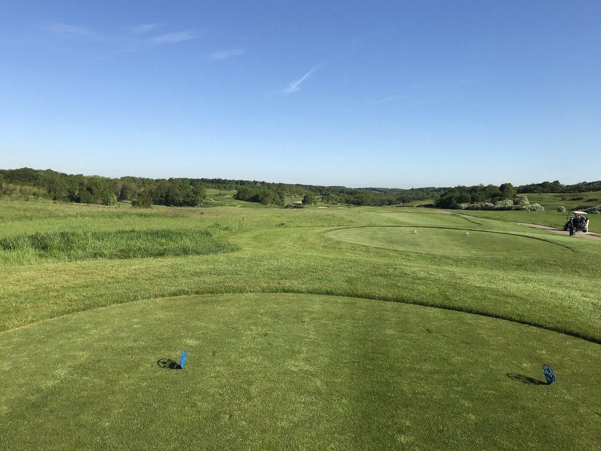 @golfshake @GardenofKent @HeadyPR The Kentish adventure begins. What a beautiful morning to be golfing pic.twitter.com/7co2e97KTz