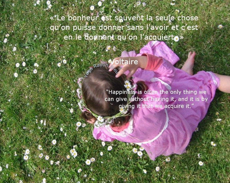 «Le bonheur est souvent la seule chose qu'on puisse donner sans l'avoir et c'est en le...» Voltaire &quot;Happiness is often the only thing we can give without having it, and it is by giving it that we acquire it.&quot; Photo #YogaRayonBleu 2008 Pornic France #yoga #citations #yogalove <br>http://pic.twitter.com/IdU8YvBU80