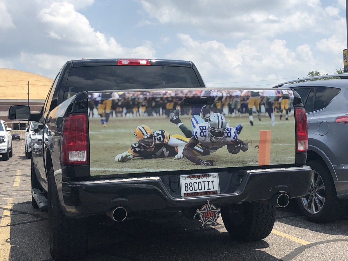 When you REALLY want everyone to know that #DezCaughtIt  (via @JessicaMorrey)