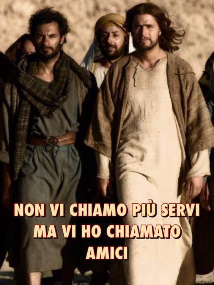 """Mater Verbi na Twitteri: """"Oggi Gesù ci dice: """"Non vi chiamo più servi,ma vi ho chiamato amici..Rimanete nel mio amore""""(Gv 15,9-17) Gesù Ama i Suoi..Non ama i nostri peccati,ma è innamorato di"""