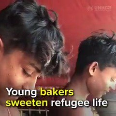 These two best friends are cooking tasty treats for Rohingya refugees😋