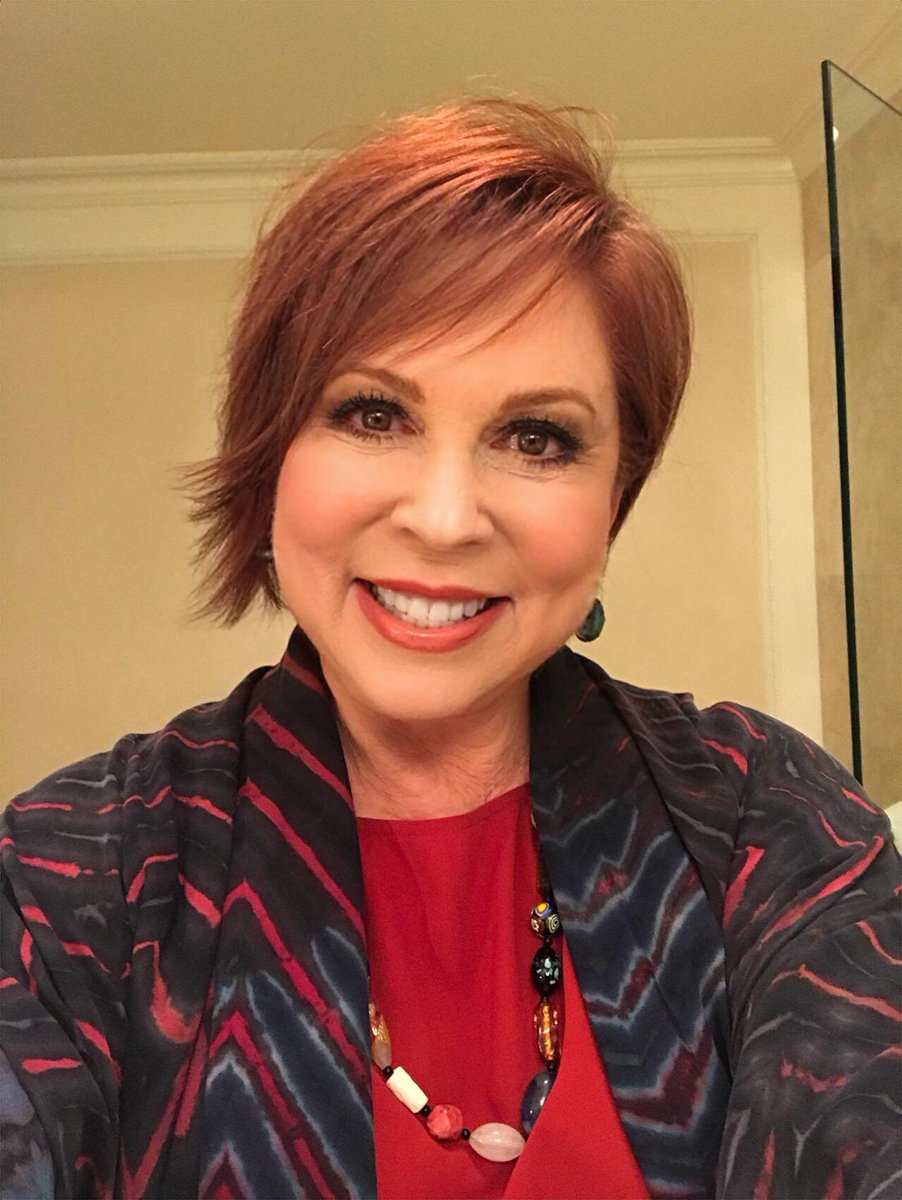 picture Vicki Lawrence