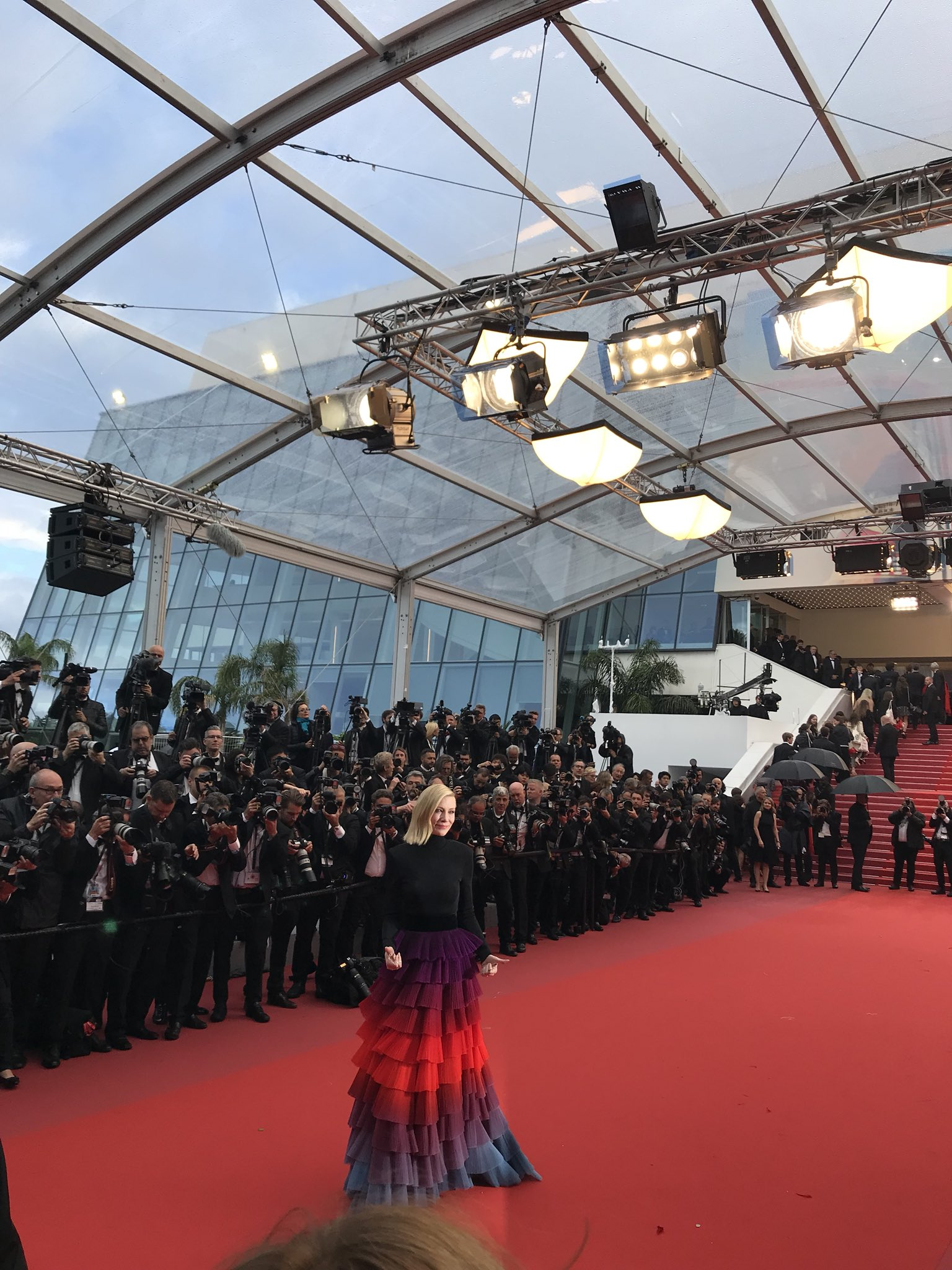 There's Cate Blanchett. #Cannes2018 https://t.co/xcZmmpDwZF