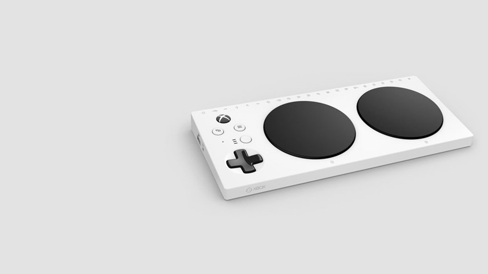 Accessibility-friendly @Xbox controller leaks ahead of #E3 https://t.co/bnZVLxrDrW https://t.co/9xFCfl4TLx