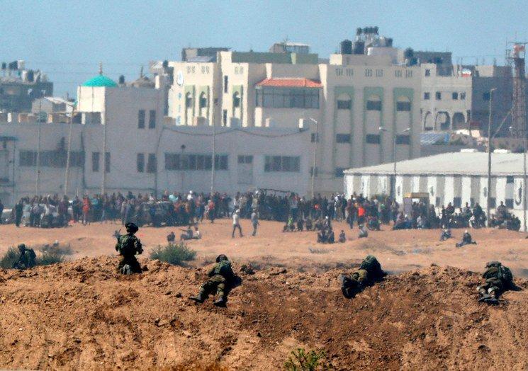Drones y balas de Israel contra palestinos en Gaza DdLaVVqVwAALJT3