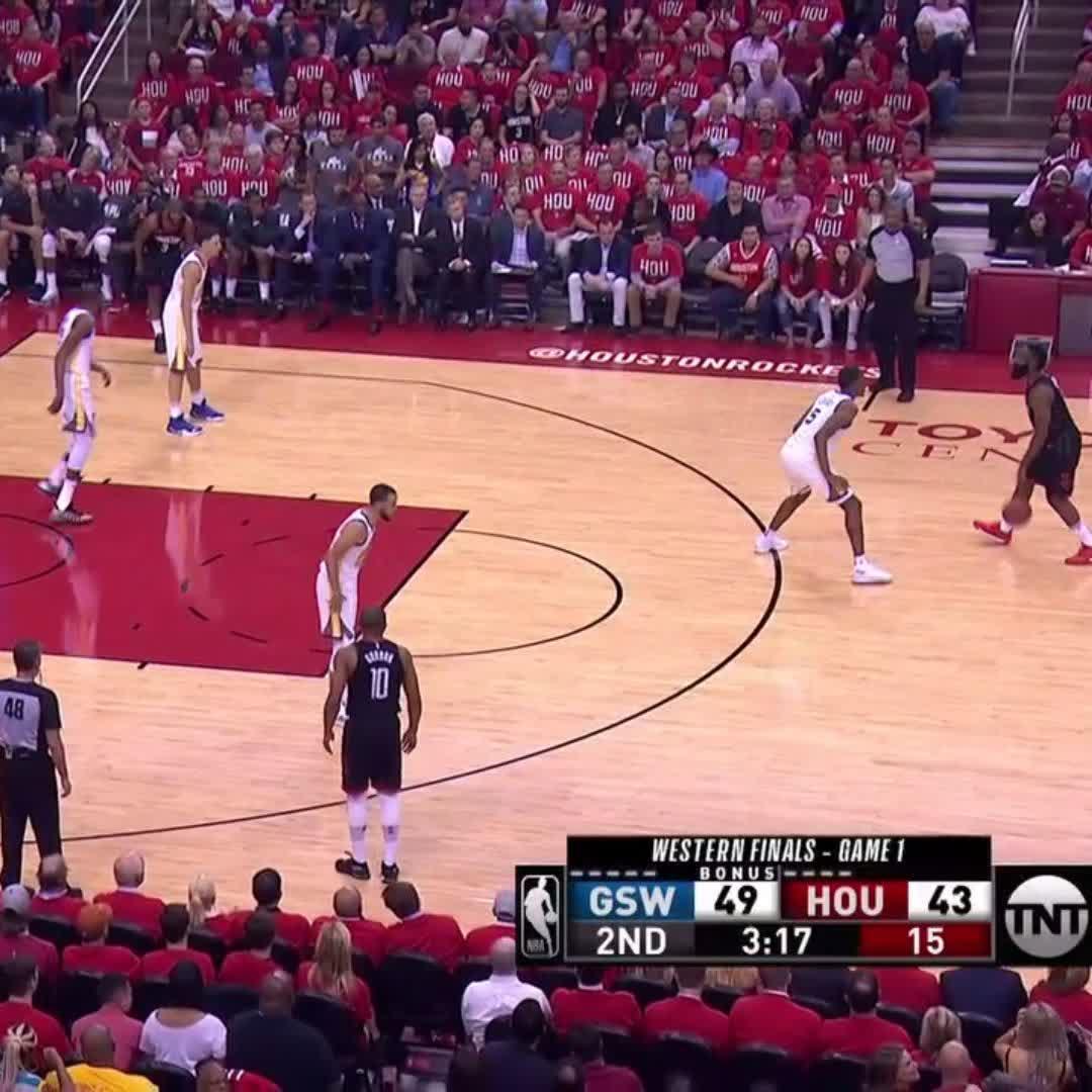 That's just not fair, @JHarden13   #NBAPlayoffs | #Rockets https://t.co/8g6CHFzfc8