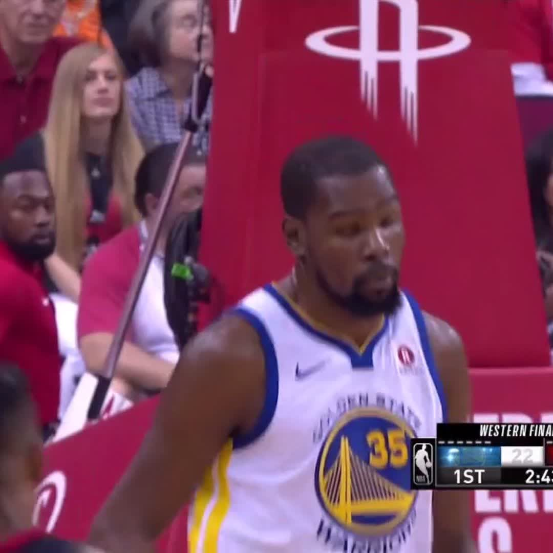 KD in his bag early.  #NBAPlayoffs | #DubNation https://t.co/7KpDkCbApe