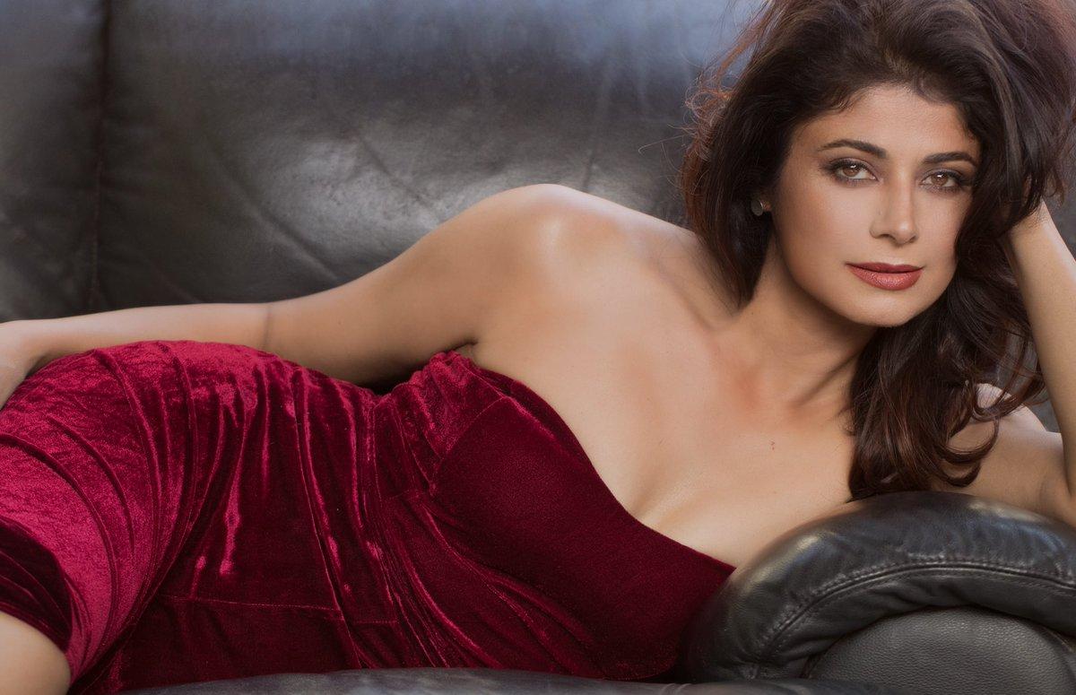 "Pooja Batra Shah on Twitter: ""#OnFleek Thank you @Ash838MG… """