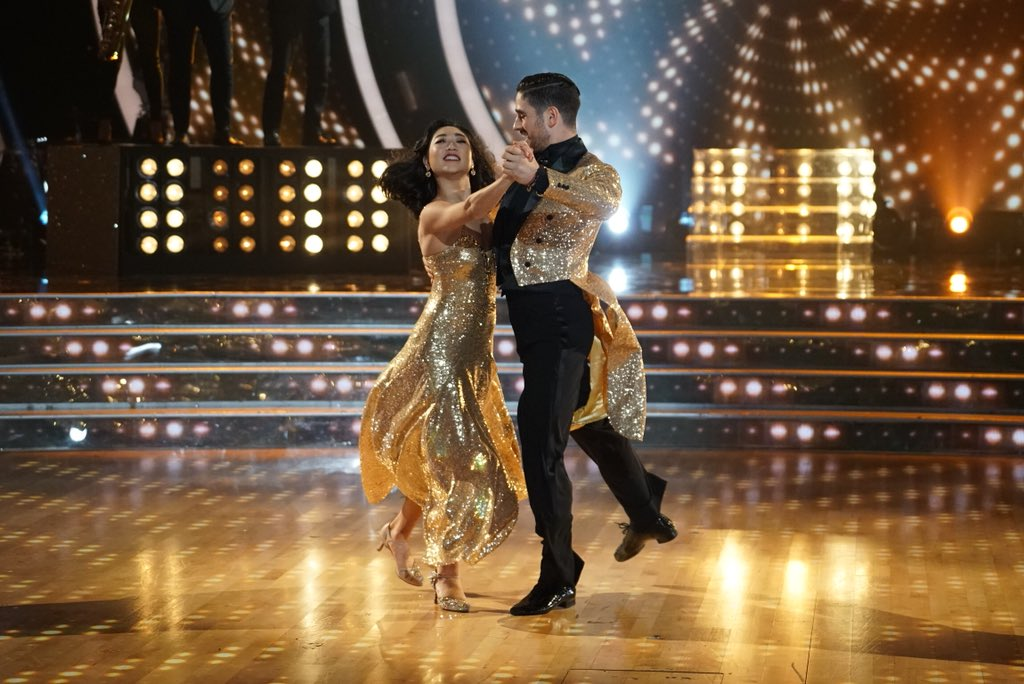 Dancing with the Stars / Танцы Со Звездами (США) - Страница 2 DdMlhYOVAAAtlvH