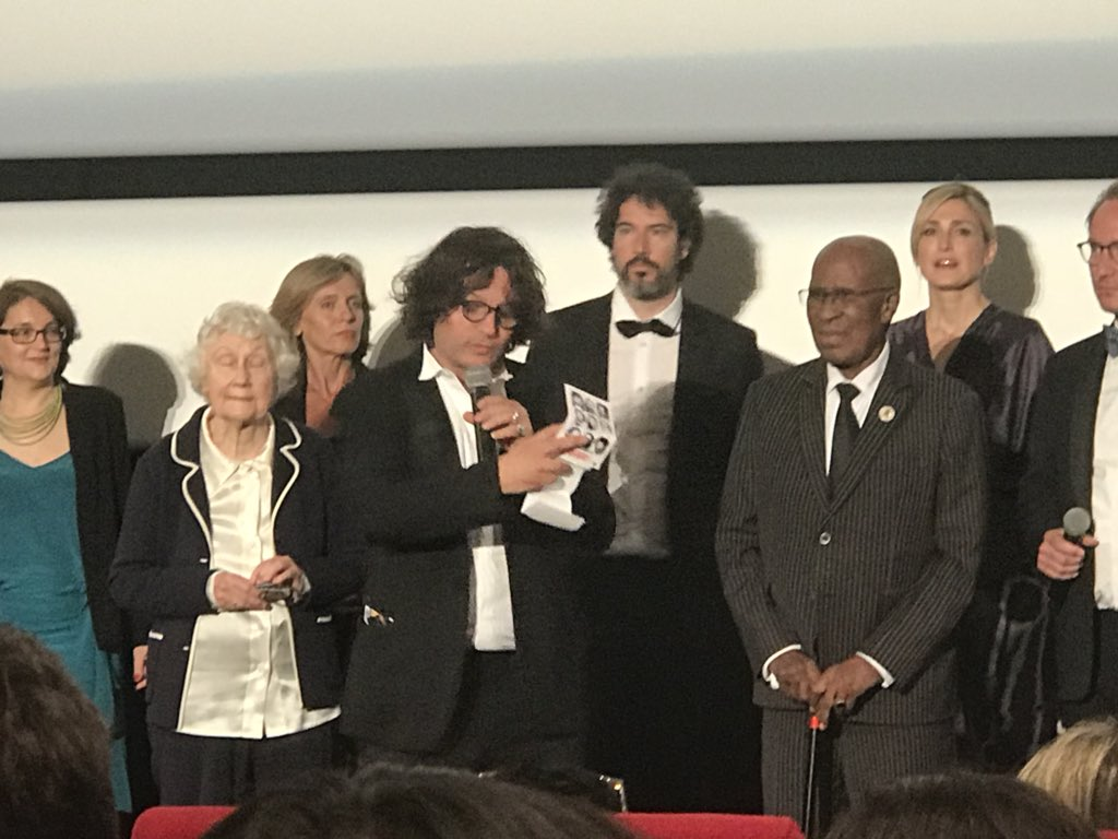 Very beautiful and moving screening in Cannes Official Selection #TheStateAgainstMandelaAndTheOthers #NicolasChampeaux #GillesPorte #Cannes2018 deeply honored to have met #AndrewMlangeni & #SylviaNeame merci #RougeInternational #UfoProduction @Inafr_officiel @nomazacoupez https://t.co/5B8y2YiWms