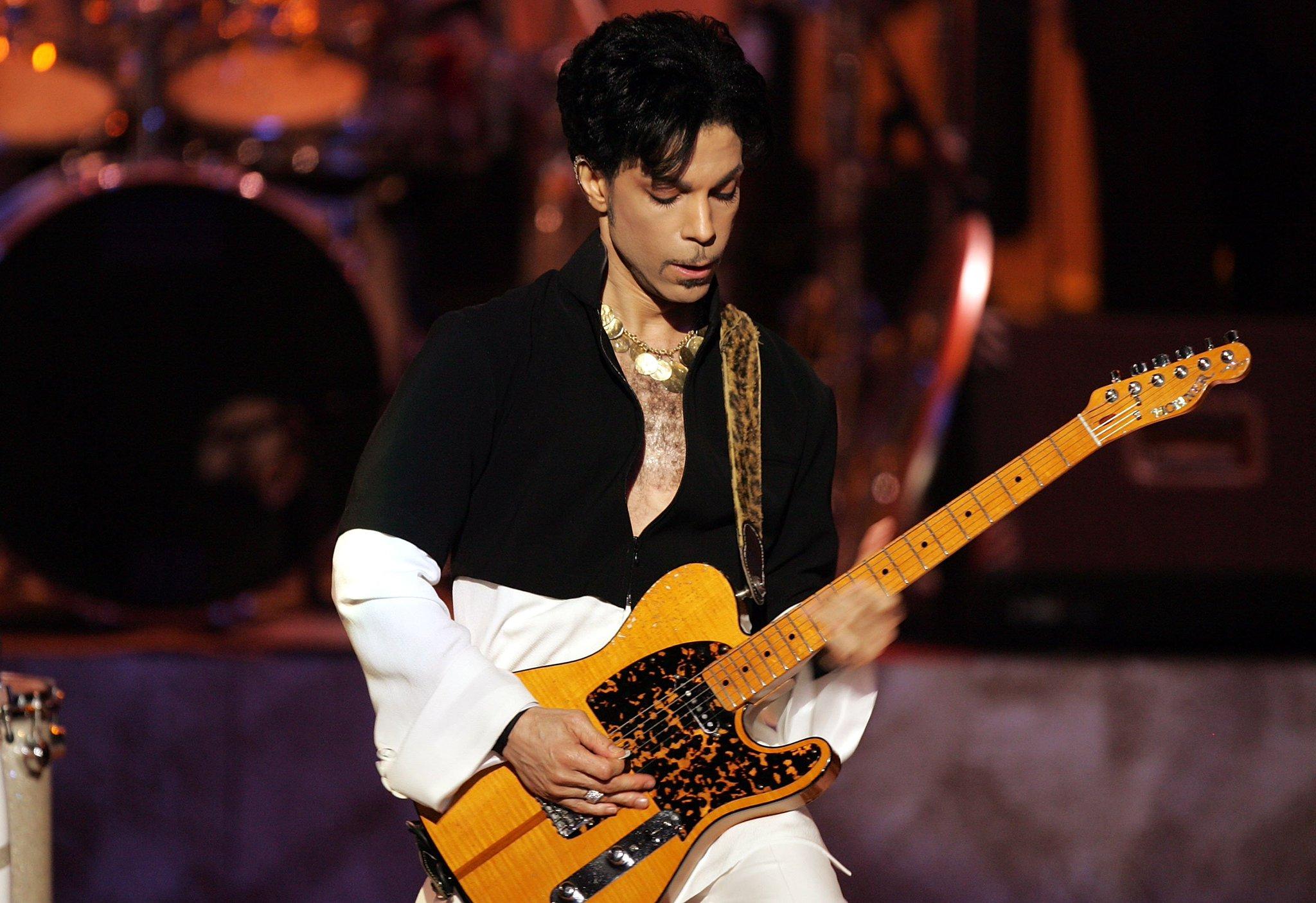 Questlove announces huge Prince orchestral tribute tour. https://t.co/s7Wi9eNEcn https://t.co/CTZMqVhhdC