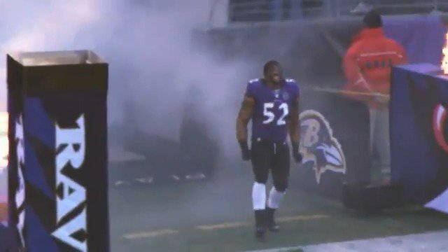 Happy Birthday to the ��. @raylewis https://t.co/kNMf7GO03B