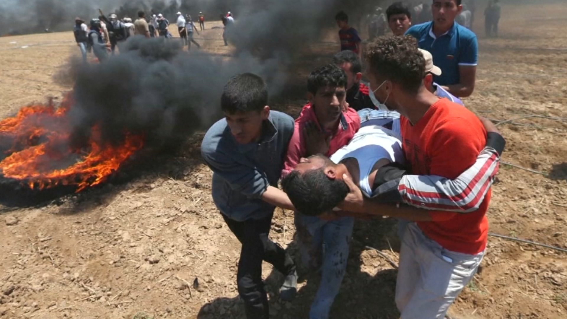 Death Toll in Gaza Rises to 61, After Israeli Military Massacres Protesters https://t.co/q74YmY8t8s #Gaza https://t.co/1ZsLt6BvrP