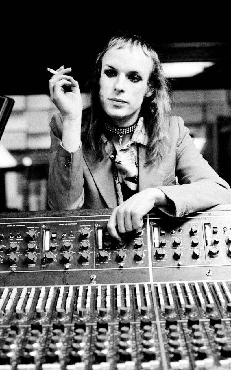 Happy 70th birthday to the sonic genius Brian Eno.