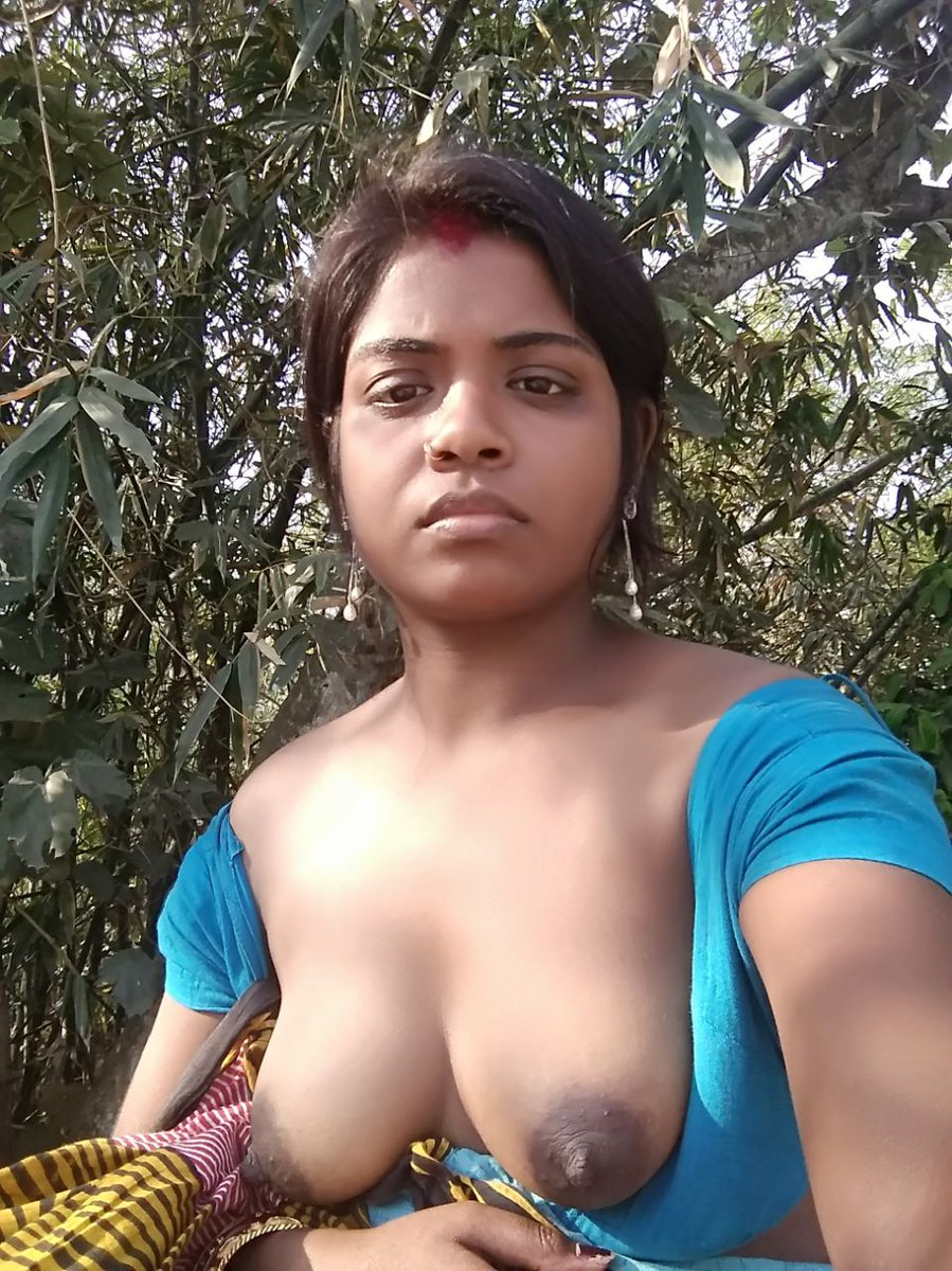 Hot Tamil Aunty Boobs