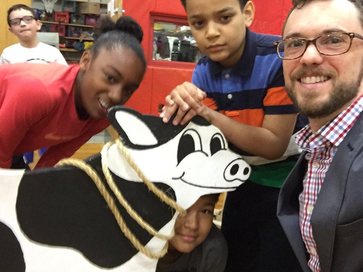 Opera cow selfie!