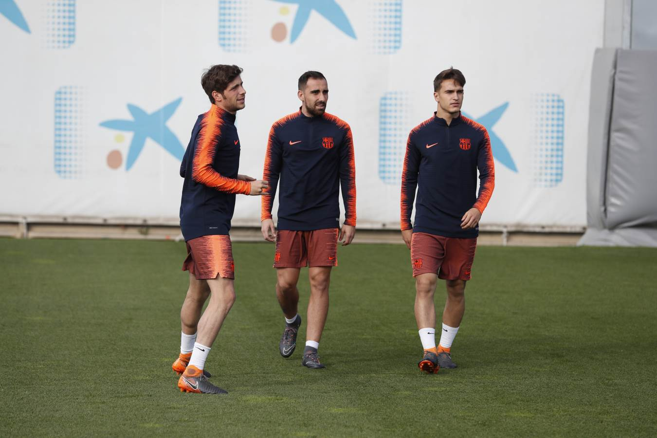 ⚽ Training before the ✈️ to South Africa! ����️‍♂️���� #ForçaBarça https://t.co/eQvoyXbDV7