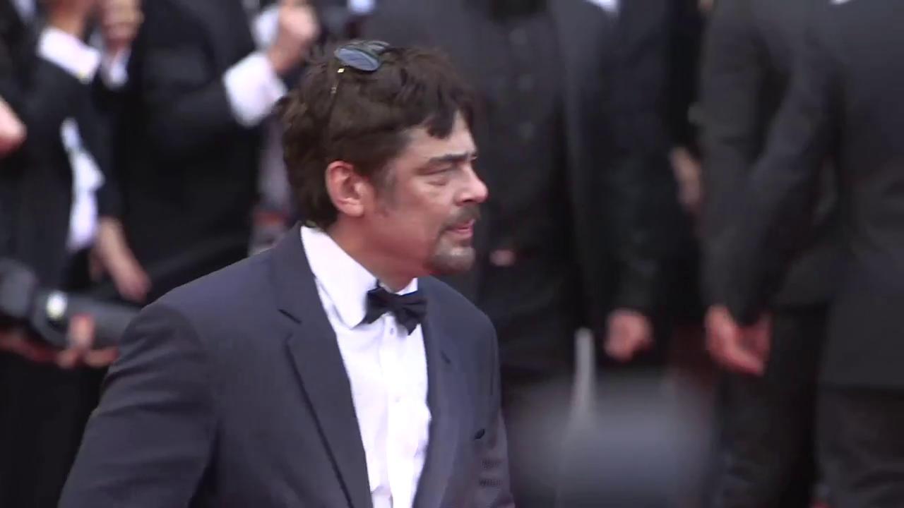 Benicio Del Toro looking dapper https://t.co/4QnOaFCjvg #SoloAStarWarsStory #Cannes2018 https://t.co/dgyJKFJ3H2
