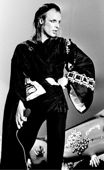 Wishing a happy 70th birthday to the incomparable Brian Eno! xoxo