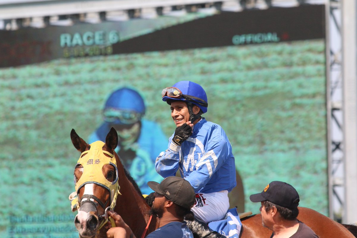 Peruanos en el Mundo:  Edgar Prado consiguió la victoria 7000 en Parx Racing.