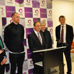 Health Minister @GregHuntMP visited Peter Mac today to launch a new @nhmrc public awareness campaign about clinical trials. Thanks to @HawthornFC skipper @JarrydRoughead2 for being ambassador and lending support to this important initiative #ClinicalTrialsDay @ACTAcommunity