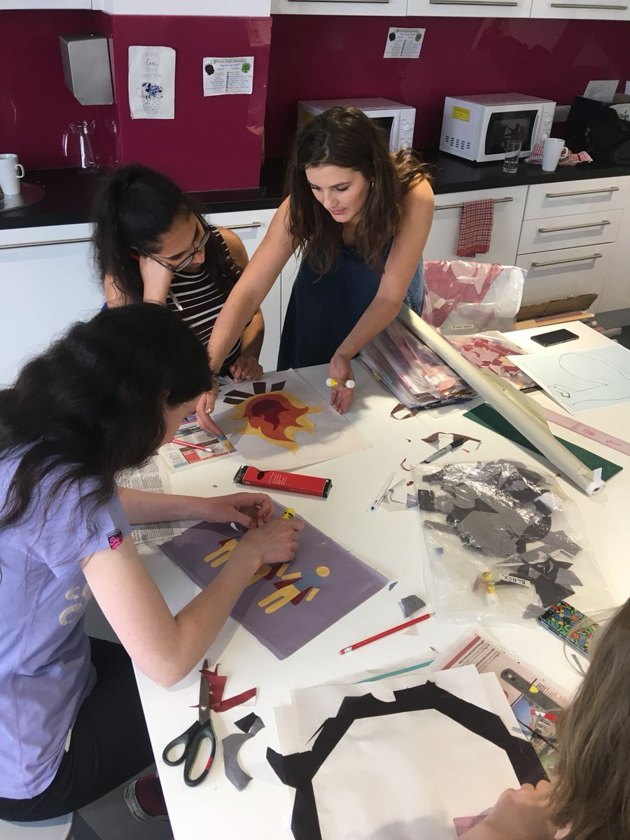 Talented fashion designer @SadieWilliamsUK held a wonderful #PROCESSIONS2018 workshop last weekend with some amazing young women. This is going to be one beautiful banner. 💚💜See examples of Sadie's work at https://t.co/d7HCJ6L1ne. @1418NOW https://t.co/vhn1ykf8UR