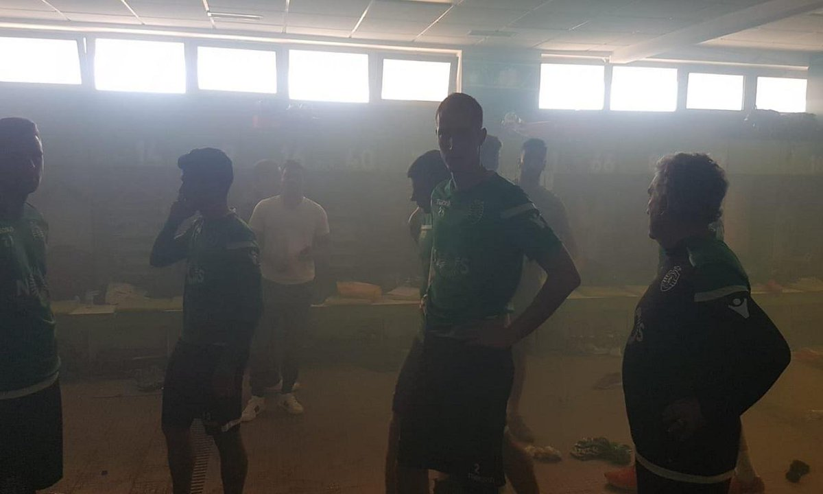 Jogadores do Sporting na GNR do Montijo https://t.co/LWxlntc6cX