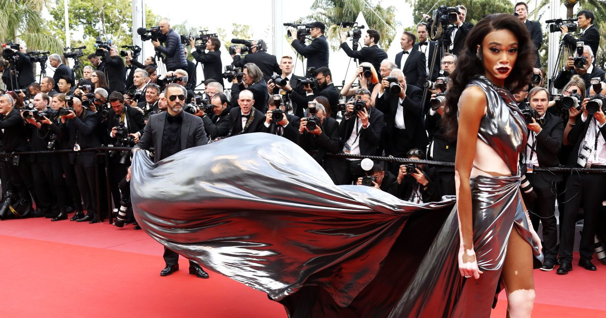 #Cannes La Canadienne Winnie Harlow fait son effet sur le tapis rouge de Cannes https://t.co/XHZPQDjeKh