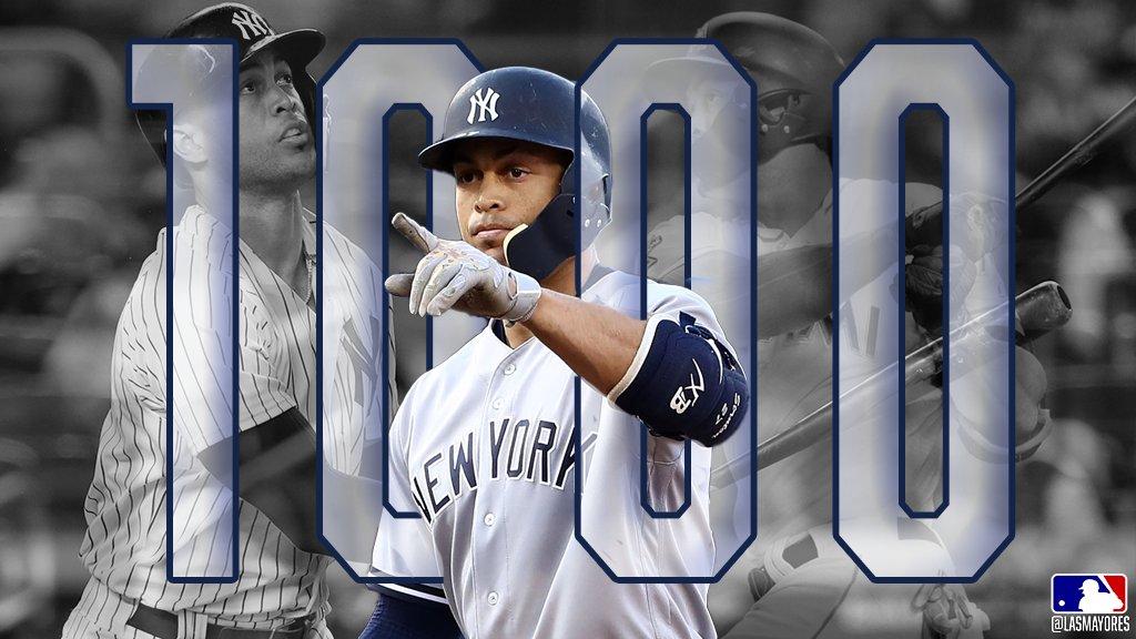 Abriéndose paso hacia la historia... ¡Felicidades por el hit #1,000 de tu carrera, @Giancarlo818! ⚾️�� #LasMayores https://t.co/JjFnmrnVGL