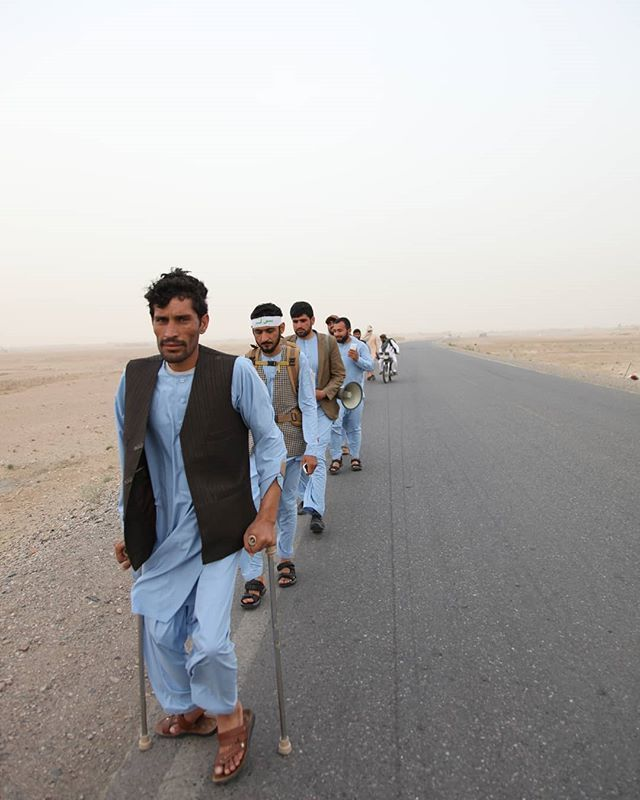 Helmand peace heroes are strolling to Kabul, one of the is disabled but he is in front of his friends.  #HelmandPeaceMarch #Helmand2Kabul #voapashto #Kandahar #Afghanistan