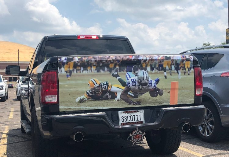 You really have to love Dallas Cowboys fans. #DezCaughtIt