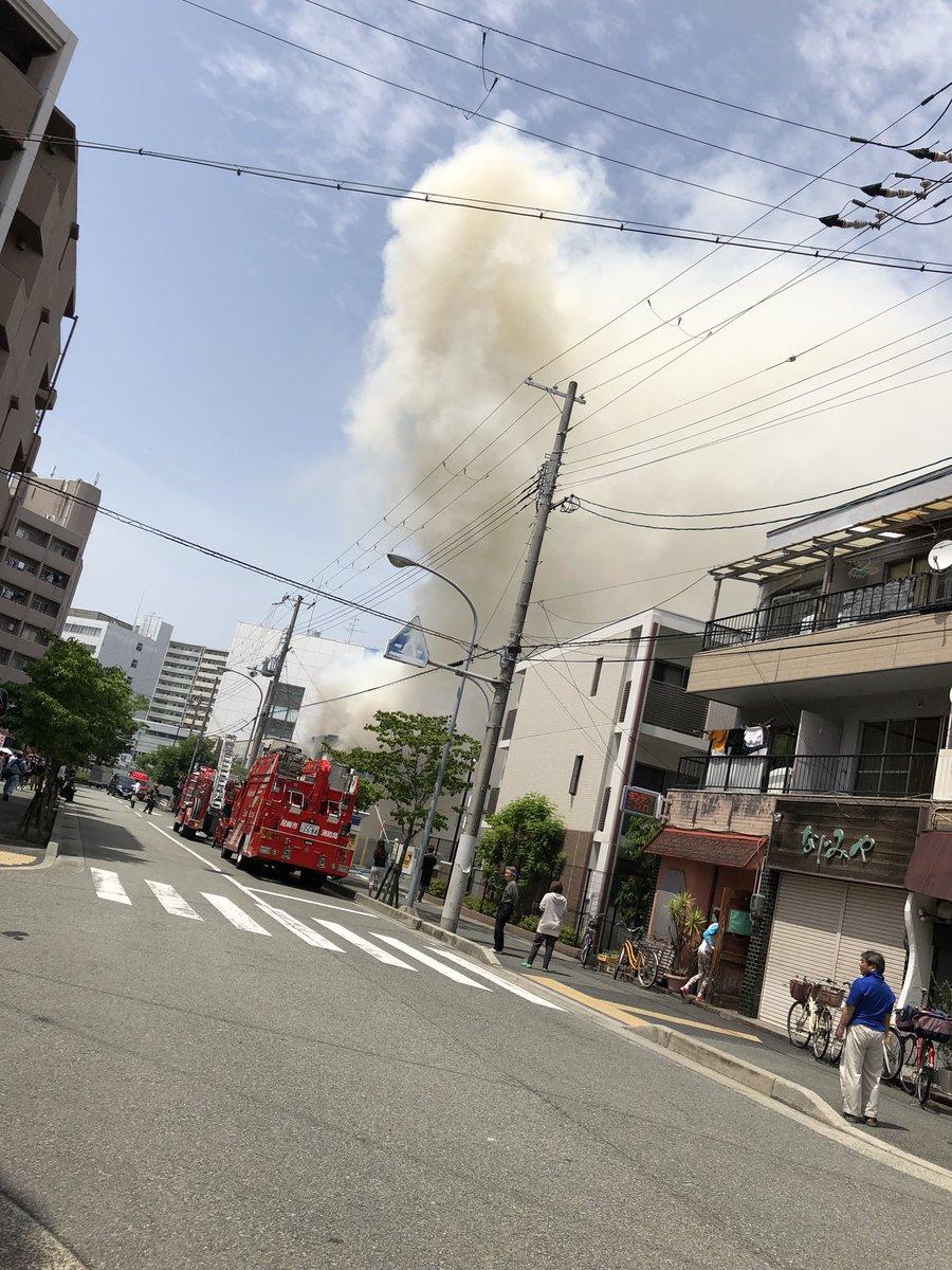 兵庫・尼崎で空き家全焼、消防車15台出動 けが人 …