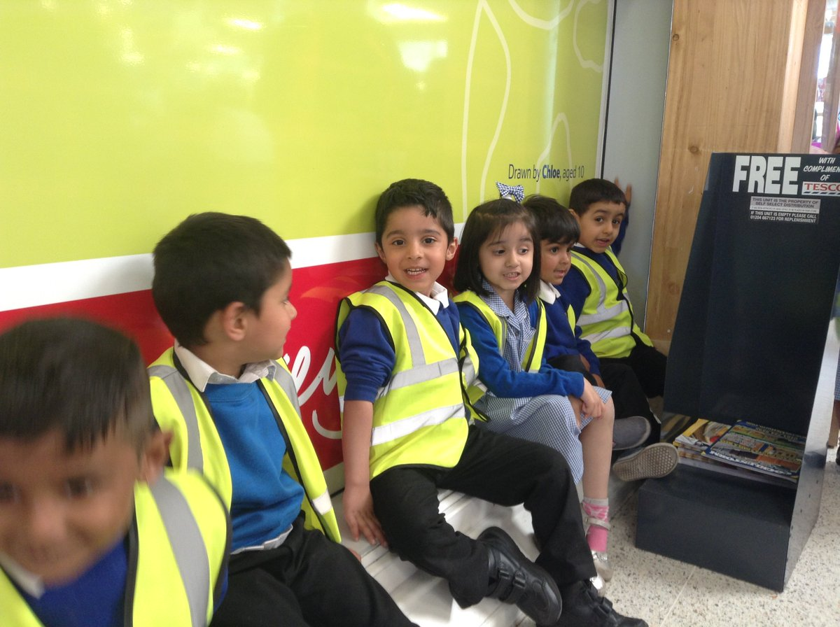 Abraham Moss School On Twitter Yesterday Nursery Yellow