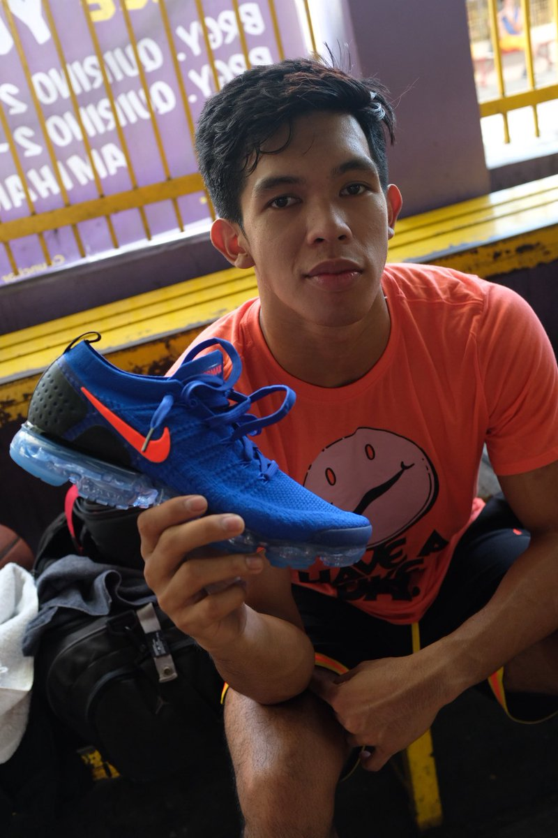 f0ae26fd7ae New pickups.  ThirdyRavenaaa with the vapormax 2 racer blue and kyrie 4 year  of the monkey  kickspottingpic.twitter.com ceLBo1JDjO