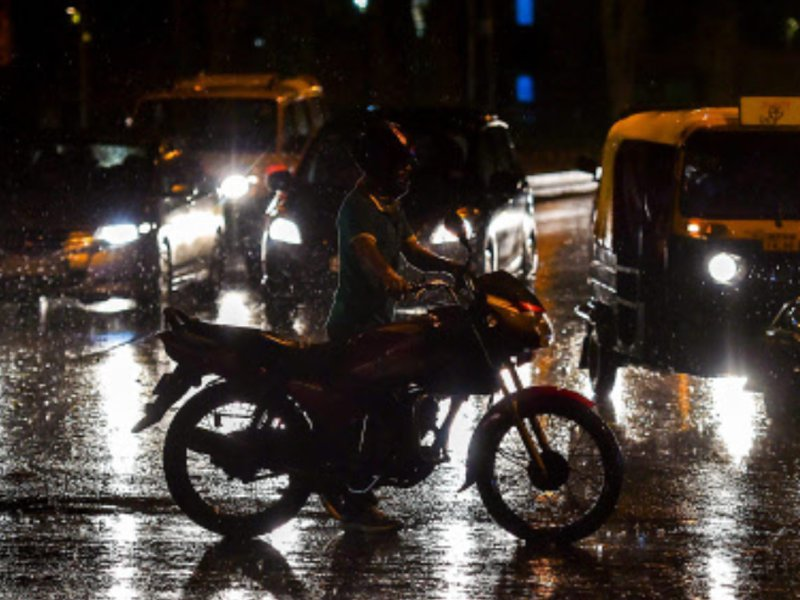 IMD issues thunderstorm warning in Delhi-NCR https://t.co/B2TS8tP8RL via @TOIDelhi https://t.co/VVT6K33pSY