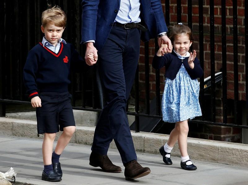 Filhos do príncipe William serão pajem e dama de hora no casamento do irmão https://t.co/kMWDUVPN98
